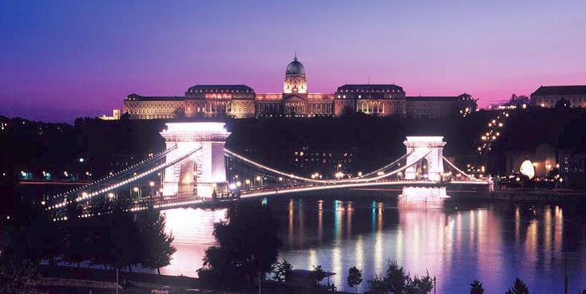 ハンガリーの夜景.jpg